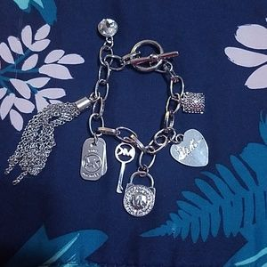 Michael Kors silver Bracelet 8 Charm New!